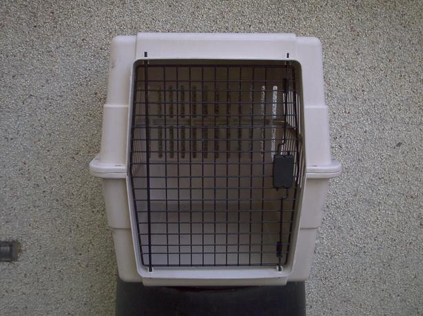 LARGE CARRY KENNEL