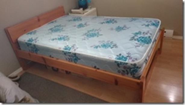 ALMOST GIVING THIS BED AWAY!