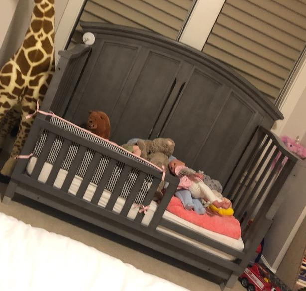 baby crib/ toddler, infant bed