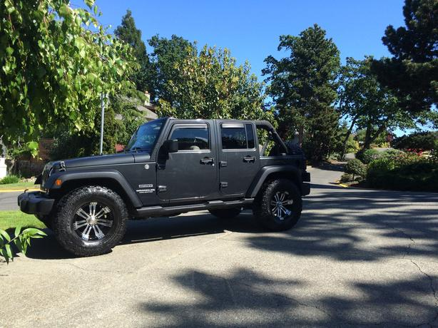 Jeep Wrangler Sport Unlimited - Trail Rated 4x4 - LOW KMs!