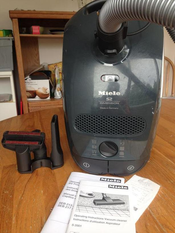 MIELE S2 DIMENSION - excellent condition + box with original bags and filters