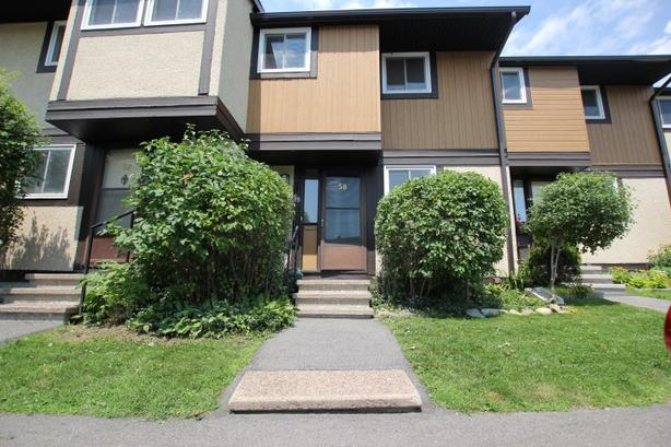 Lovely 3 Bdm/1.5 Bth Townhome, Hunt Club/Uplands, Sep 1