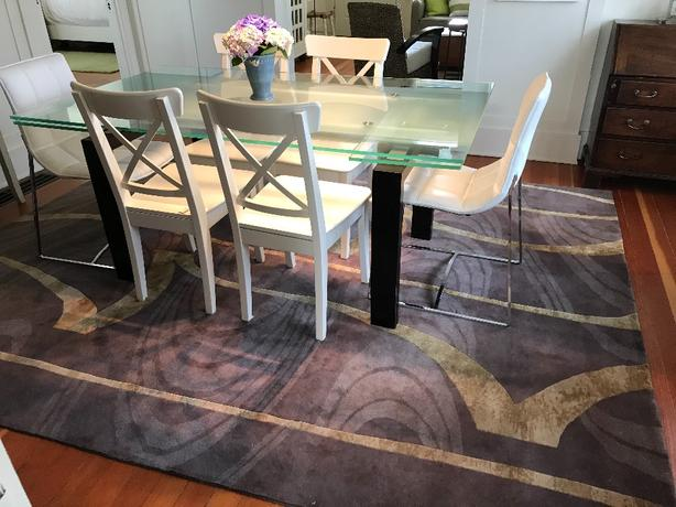 8' by 10, quality pure wool designer rug