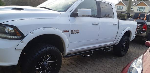 2014 Dodge ram 1500 sport crew cab 4x4 6 in lift