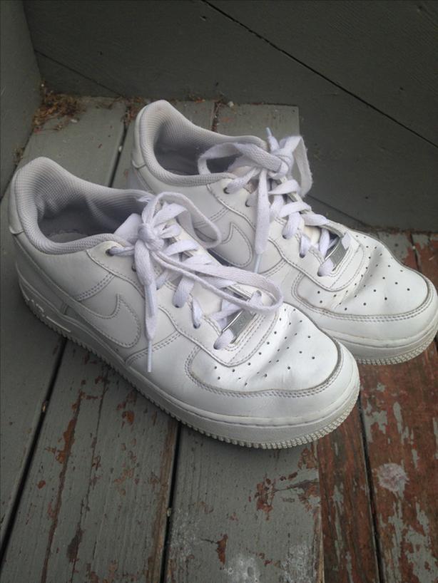 White Nike AF1(Air Force 1) sneakers