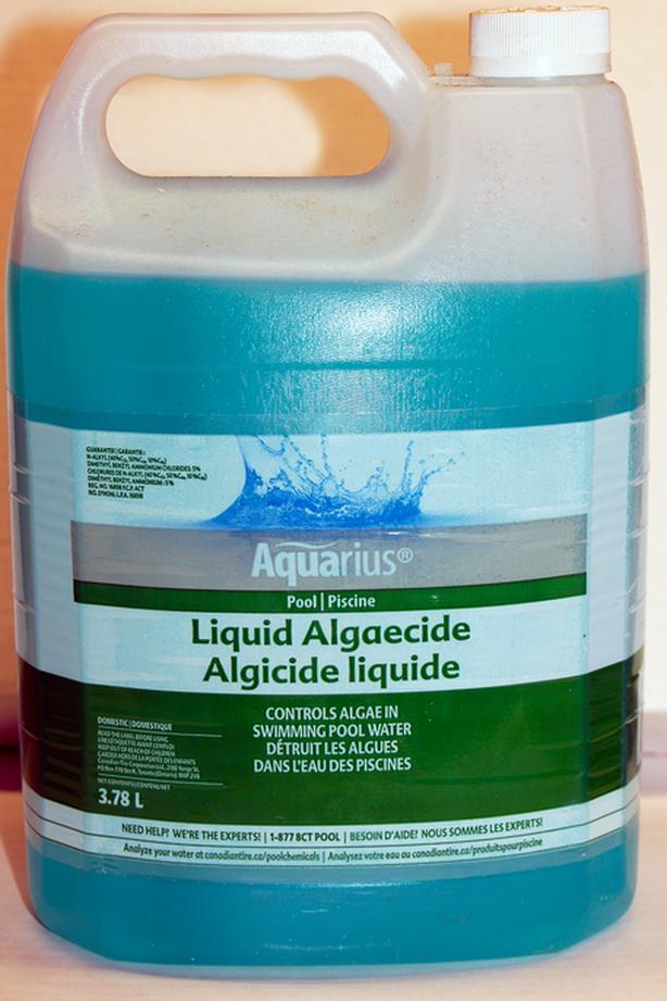 Algaecide & Chlorinating Liquid