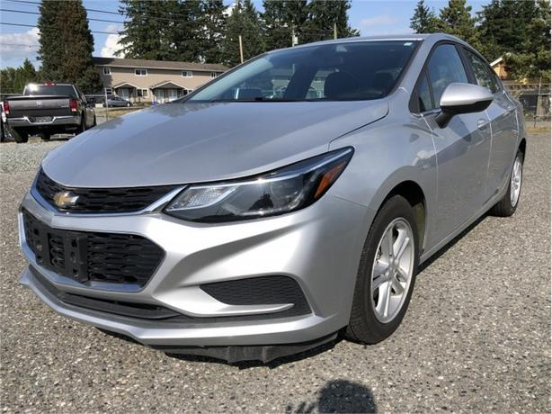 2017 Chevrolet Cruze LT  - Bluetooth -  SiriusXM - $117.79 B/W