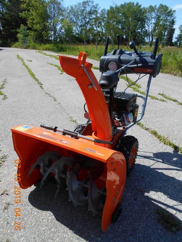 "BRAND NEW 26"" YARDMAX ELECTRIC START 7 HP GAS SNOWBLOWER"