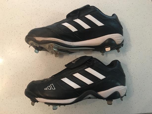 Mens size 13 adidas baseball spikes cleats