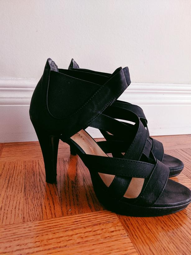 Black bandage sandals heels