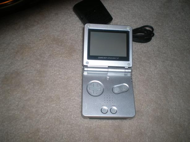 For Trade: Gameboy Advance SP With 2 Games To Trade For VHS Movies