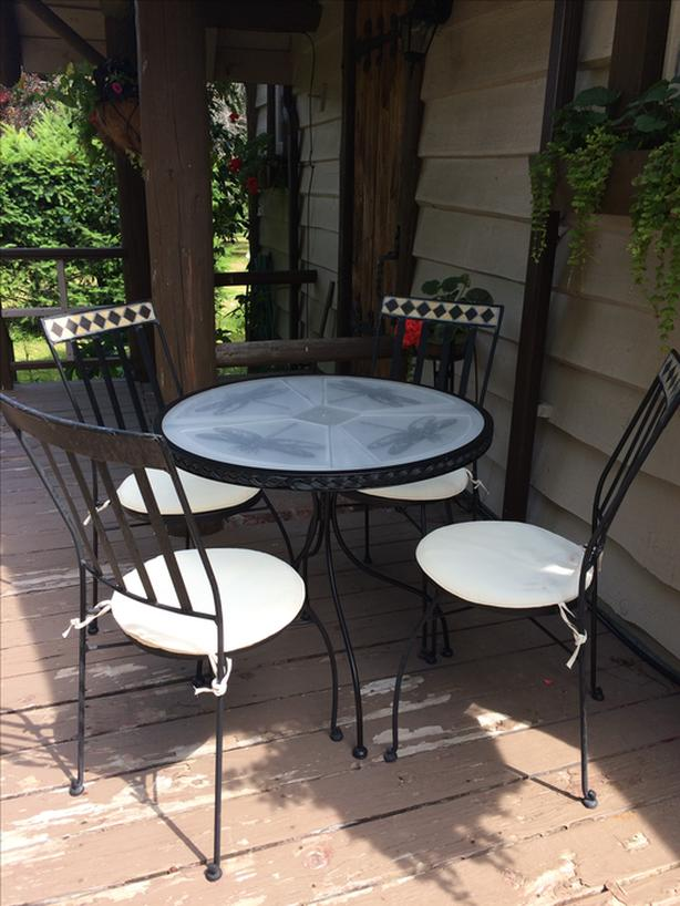 Dragonfly Bistro Table and Chairs