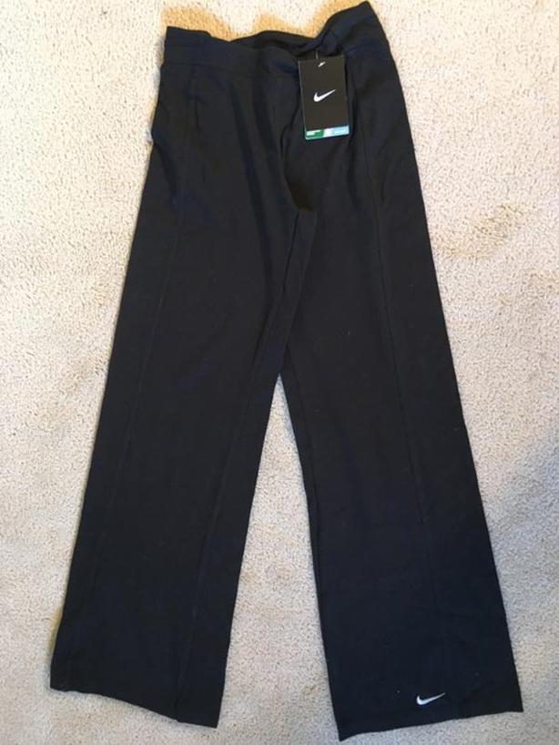 NWT - Nike Pant