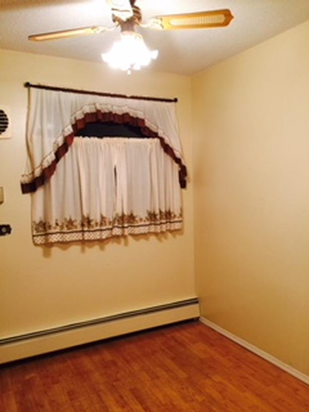 For rent: 2 BR apartment with in-suite laundry in 4 plex