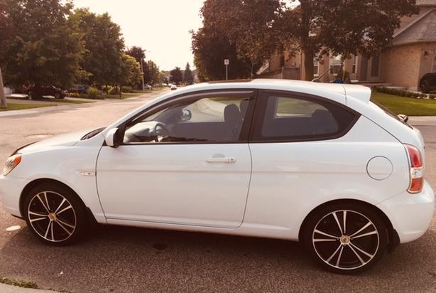 2010 Hyundai Accent Sport Hatchback & Brand New Summer Tires