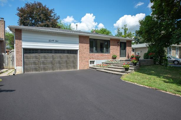 **SOLD** 24 Maple Ave W Beeton Real Estate MLS Listing