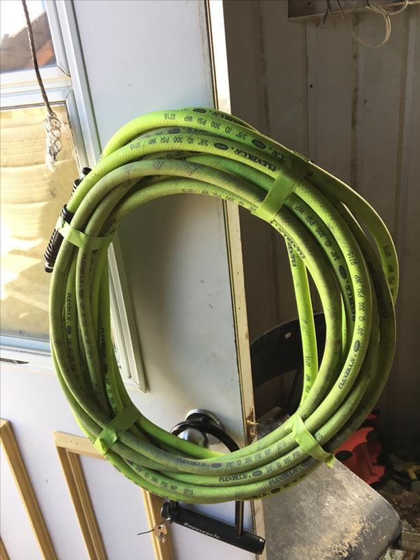 Flexible air hose