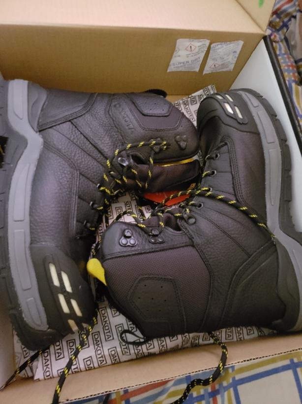 size 10.5 mens dakota steel toe boots