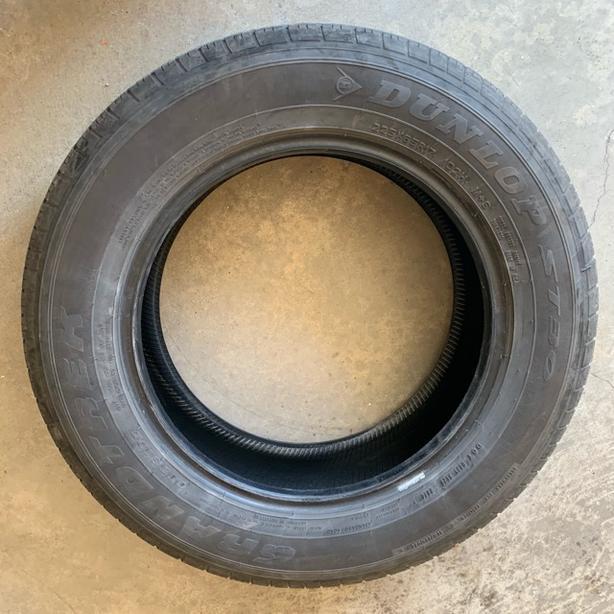 Good Condition 1 tire Grandtrek Dunlop ST30- 225/65/17