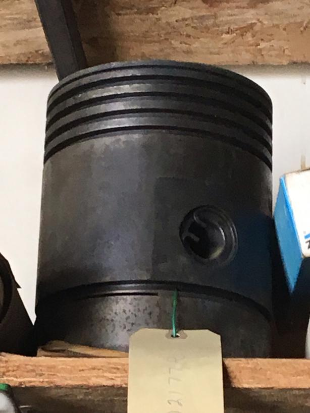 John Deere piston & rings