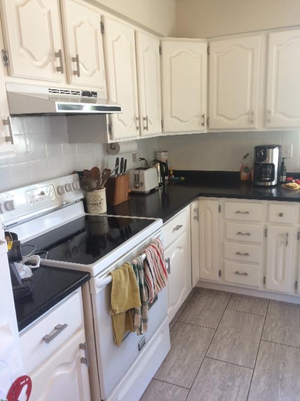 Free Upper Kitchen Cabinets Central Saanich Victoria