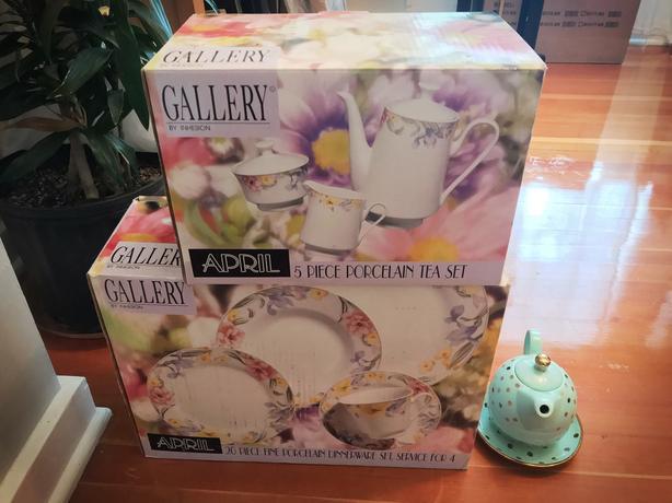 Tea & Dish Set