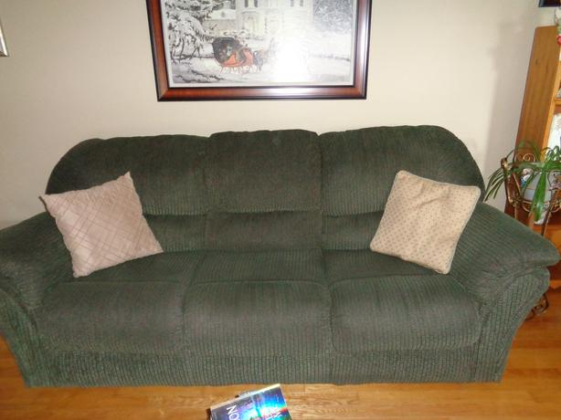Sensational Gently Used Couch For Sale Other Pei Location Pei Mobile Ibusinesslaw Wood Chair Design Ideas Ibusinesslaworg