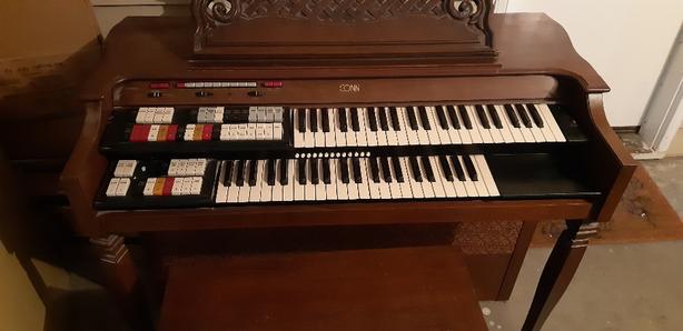 FREE: Conn Electric Organ