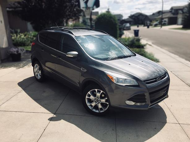 2013 Ford Escape SEL - Excellent Condition
