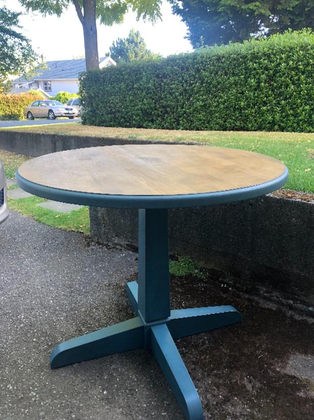 Vintage Round Kitchen Table