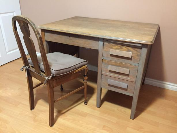 3 drawer solid oak desk and chair REDUCED!  FREE!!