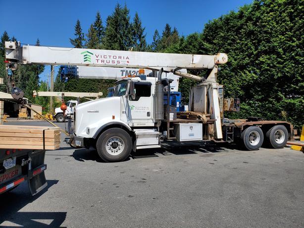 2005 Kenworth Crane Truck