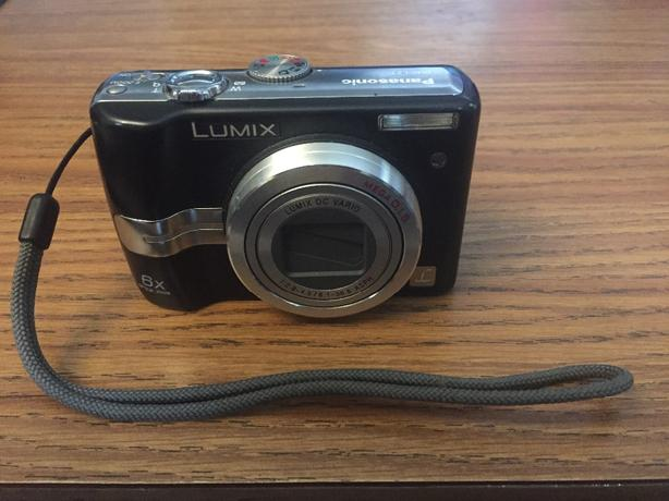 Panasonic Lumix DMC-LZ7 7.2MP Digital Camera 6x Optical Zoom