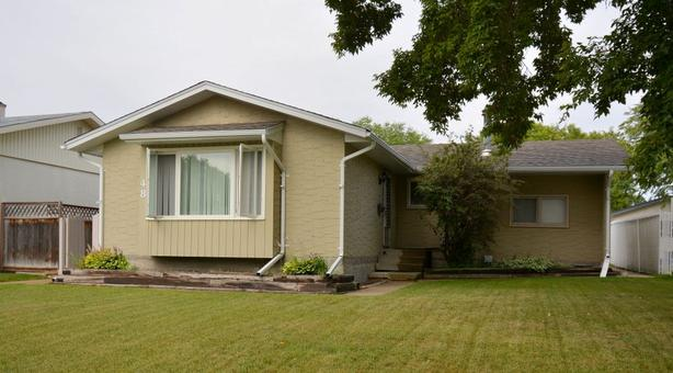 48 Risbey Crescent - Professionally Marketed by The Judy Lindsay Team