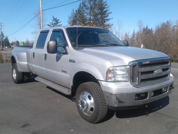 2005 FORD F350 DIESEL SUPERDUTY 4X4 LARIAT DUALLY WITH 8 FT BOX