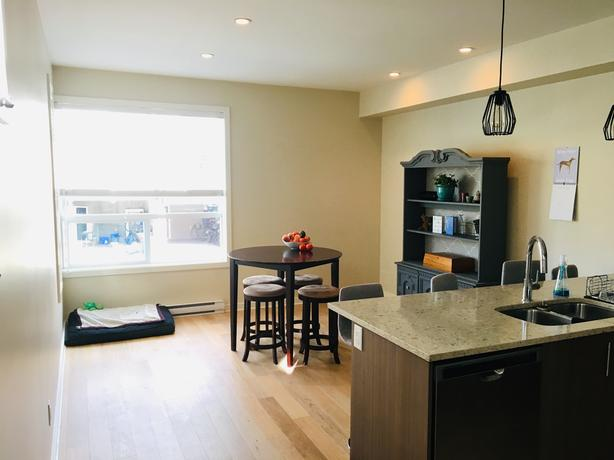Terrific Log In Needed 900 Room For Rent Master Bedroom Ensuite Private Living Room Download Free Architecture Designs Embacsunscenecom