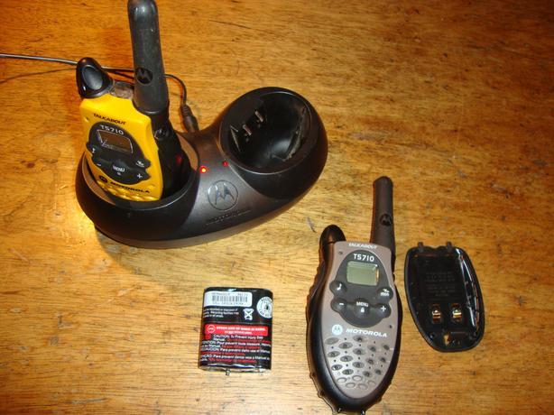 Pair Motorola Talkabout 5710 Walkie Talkies