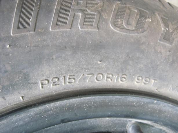 "Tire for a dodge or Jeep 16"" 215/70R/16 Like New Condition"