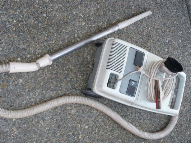 MINI HOOVER vacuum cleaner