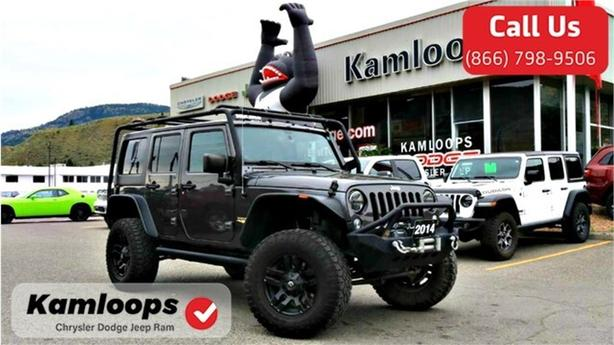 2014 Jeep Wrangler Unlimited Sahara /4x4//Lifted//Bluetooth/