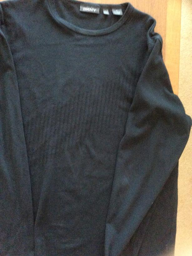 NEW no tags  DKNY long sleeve T-shirt XL. Black