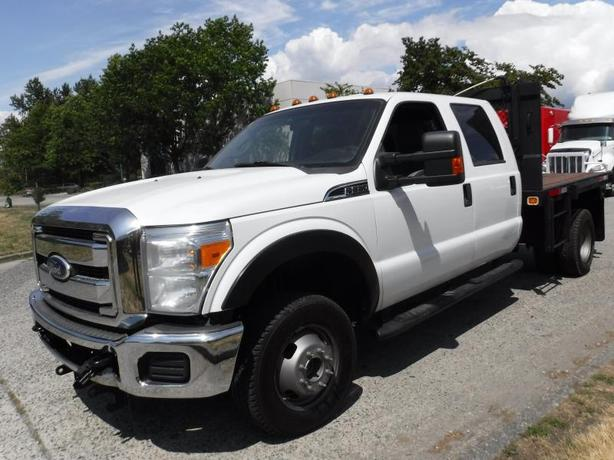 2011 Ford F-350 SD Flat Deck 9 feet Crew Bed Dually  4WD