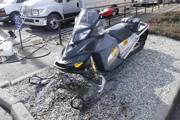 2008 Ski-Doo Summit Rotax 800R Rev XP 154 inch Track Snowmobile
