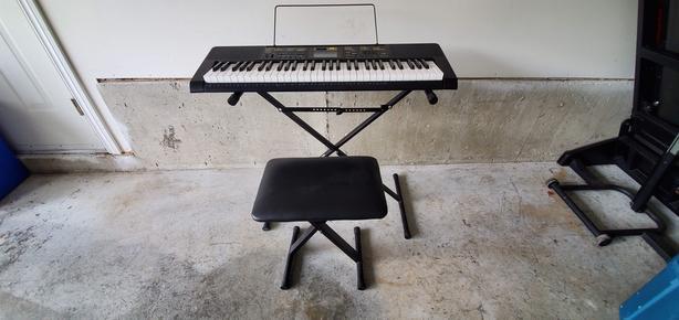 Casio CTK 2400 electric piano