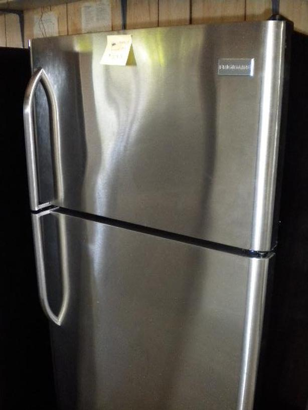 Stainless 19 cu ft Frigidaire frost free refrigerator