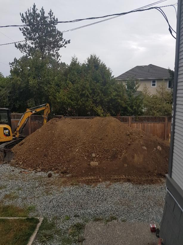 FREE: fill dirt and clay Saanich, Victoria