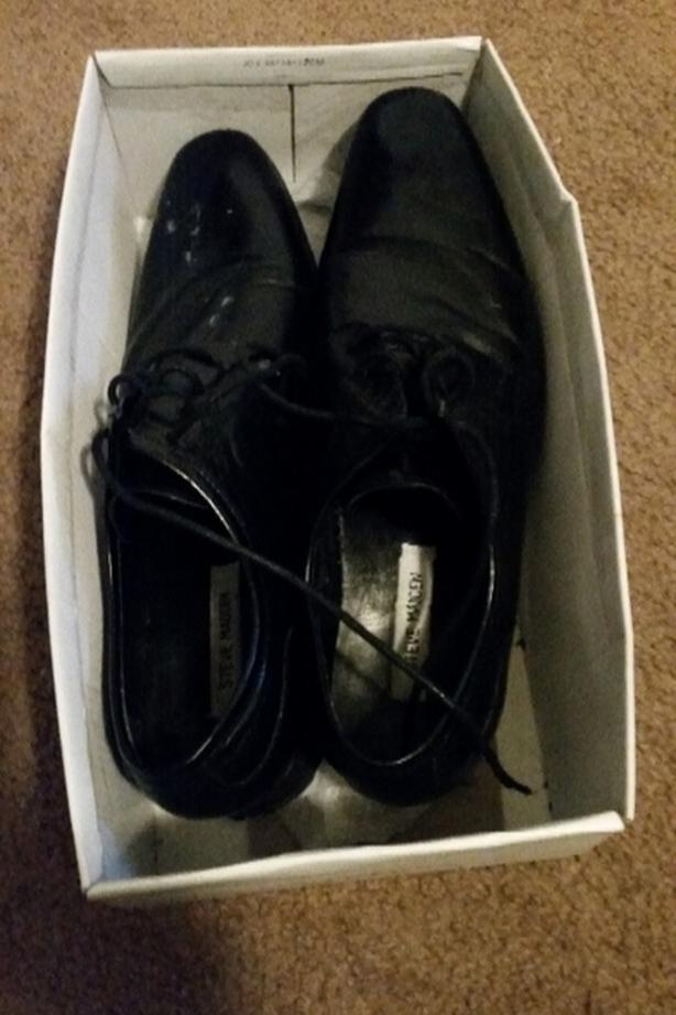 NEED TO SELL TODAY..STEVE MADDEN MEN'S DRESS SHOES