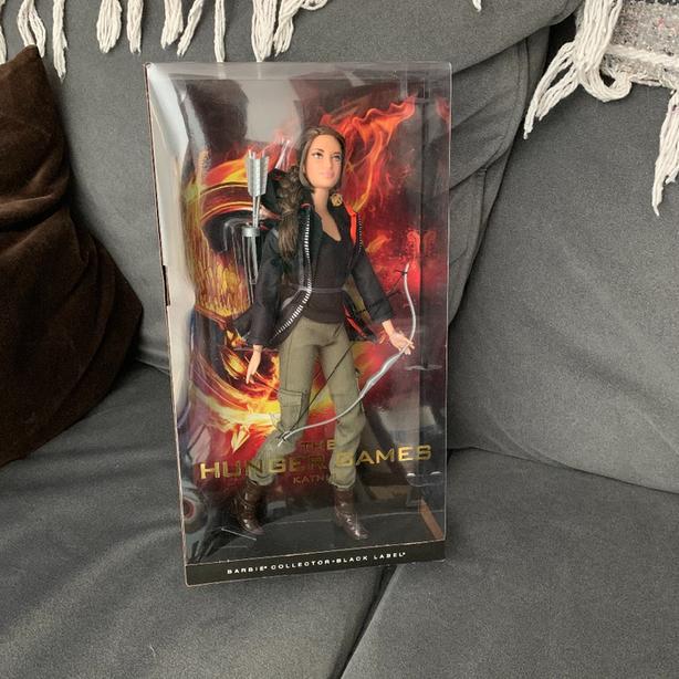 Hunger Games Katniss Everdeen Barbie nib