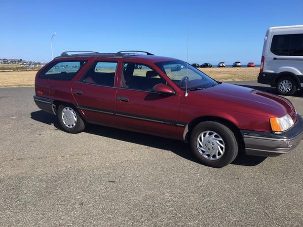 1990 Ford Taurus Station Wagon