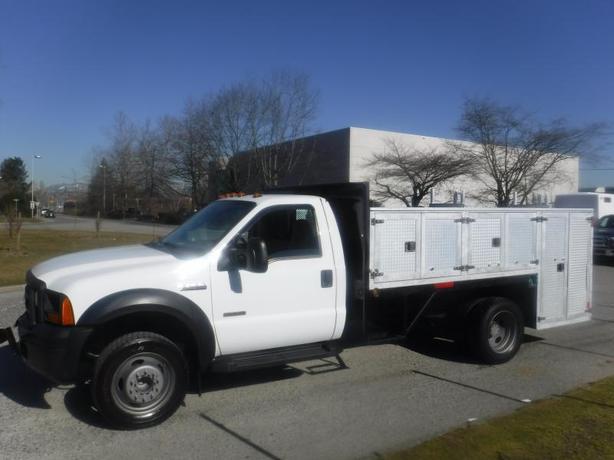 2006 Ford F-450 Sd XL Regular Cab Service Truck 2WD Diesel